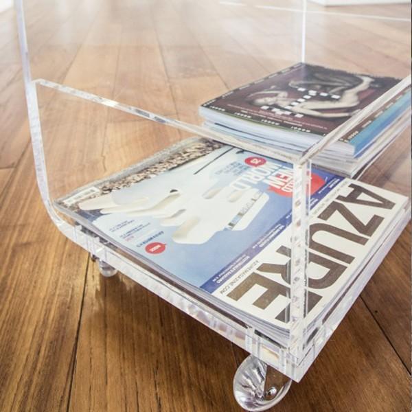 Tavolino portariviste da salotto in plexiglass design - Tavolino plexiglass ...