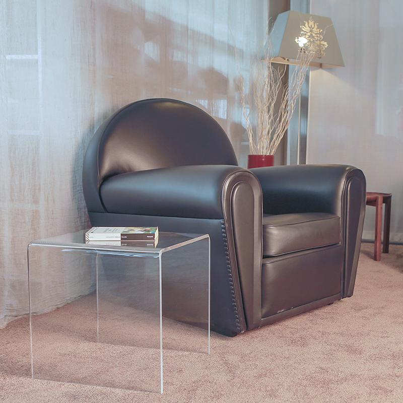 Poltrone moderne da salotto poltrona moderna ecopelle for Tavolini design salotto
