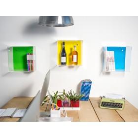 Cubi in plexiglass trasparente con fodera colorata e mensola luminosa