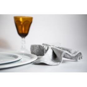Acrylic napkin rings in transparent lucite