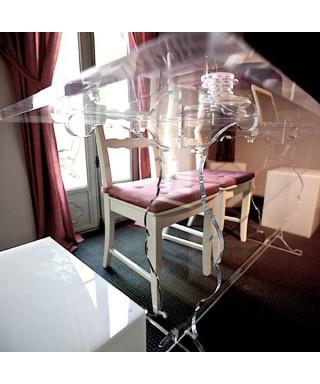 Tavolo in plexiglass
