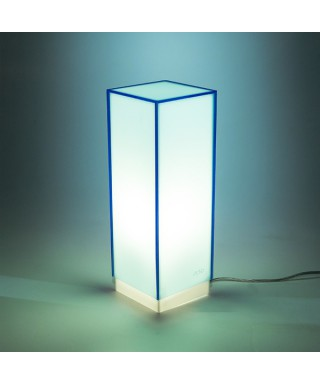 Lampara de escritorio azul claro o mesita de noche de metacrilato coloreado