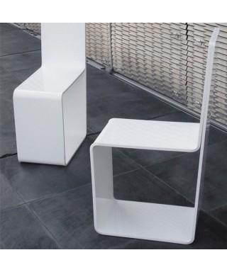 Sedia in plexiglass bianco